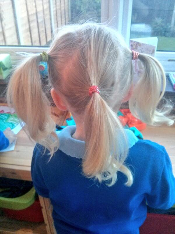 The school jester #hair http://t.co/jGmZTVO12I - embedded image