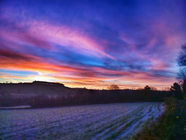RT The sky on fire above a frosty #Shire this morning. My favourite time of the year! @ShropshireStar Happy Monday y'all  - embedded image