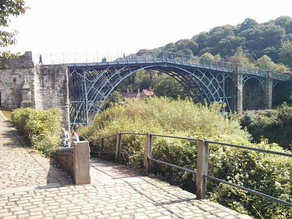 And perhaps a slightly better photo. #ironbridge  - embedded image