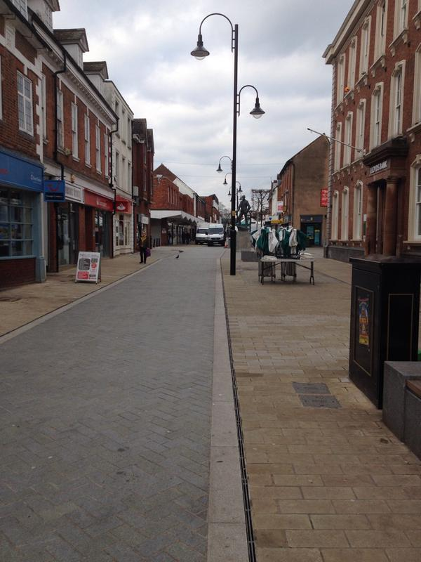 RT Bromsgrove town centre - Saturday afternoon. Thank you Conservative council. #VoteLabour  - embedded image 2