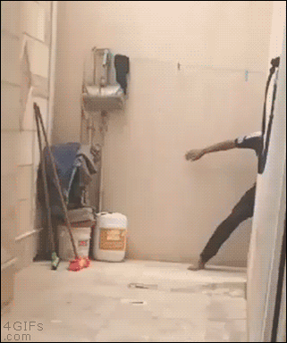 RT This gotta be the wildest GIF on Twitter...  - embedded image