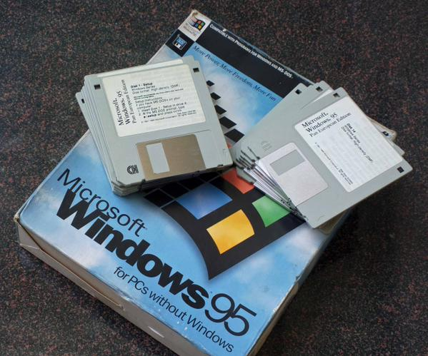 "RT Windows 95 is 20 years old today. You used 3.5"" floppies to install it. 13 of them.  - embedded image"
