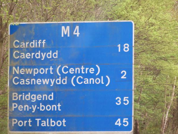 RT Muslims have forced the English county of Wales to add Arabic names to all its road signs #TrumpFacts  - embedded image
