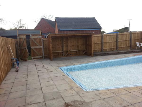 RT Huge thanks to @BromsgroveTable for their hard work renovating our pool. New shelter now complete. Thank U  - embedded image