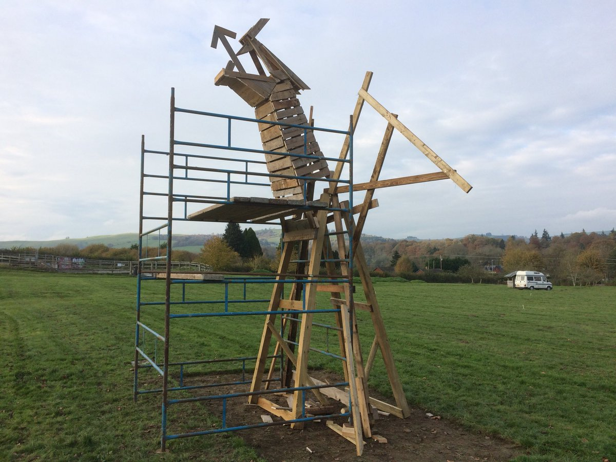 RT Helped build a Dragon for fireworks tonight Wentes Meadow Presteigne  - embedded image 1