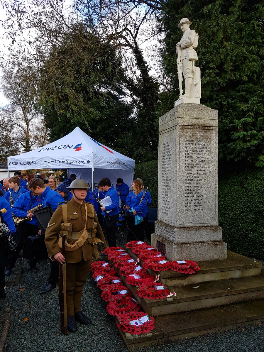 RT Always in our thoughts. Lovely turn out at the Catshill Memorial Parade.  - embedded image