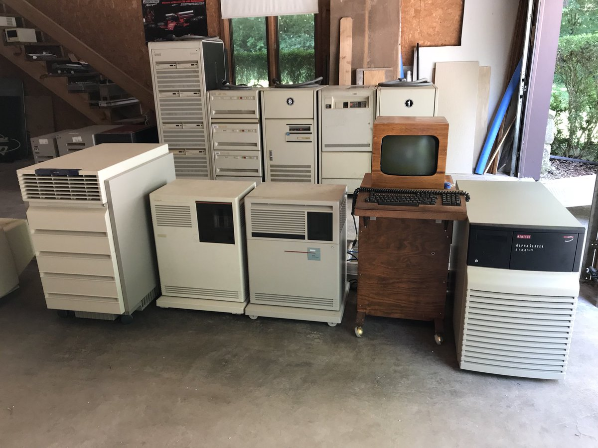 RT When collecting computers, collect small ones. #ihatemoving #RetroComputing  @benjedwards  - embedded image